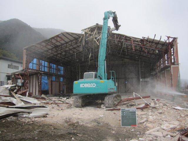 府中市 第四中学校 校舎解体・プール解体工事4